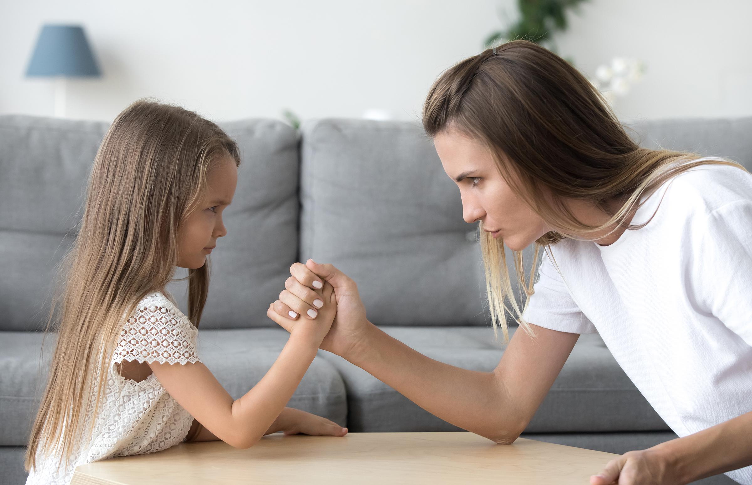 Казна и награда – кое е нивното значење и како да ги применуваме во воспитувањето на децата