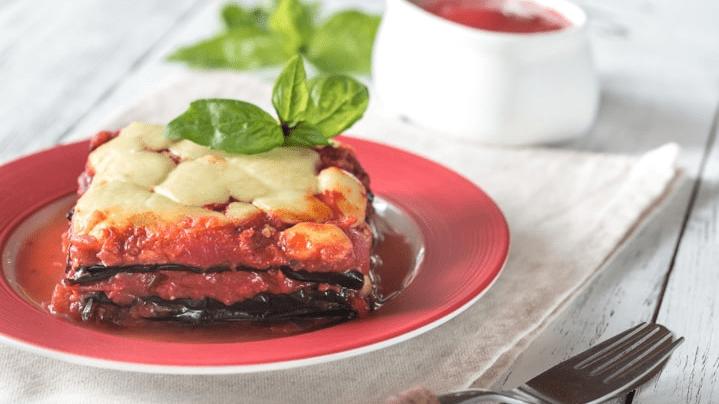 Модар домат со моцарела